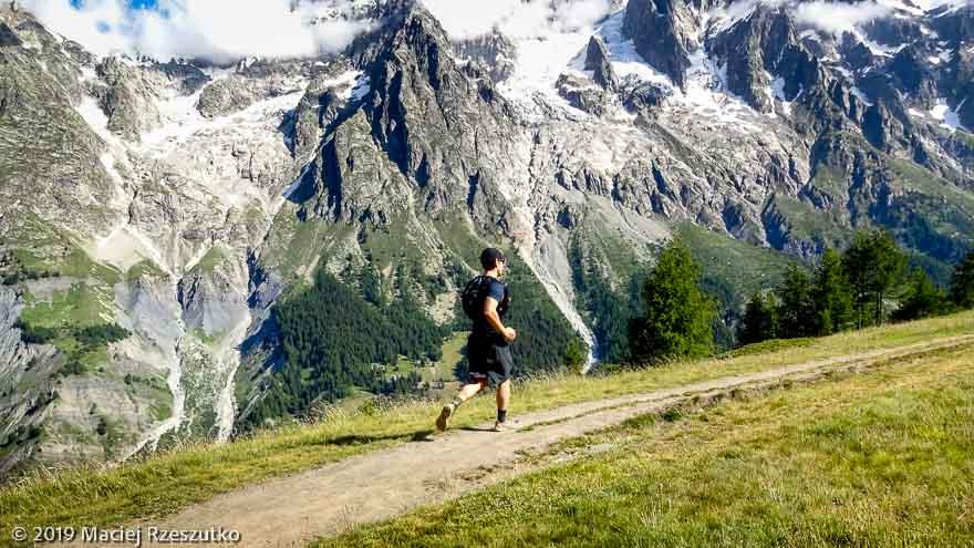 Sentier en balcon du Val Ferret italien · Alpes, Massif du Mont-Blanc, Val Ferret Italien, IT · GPS 45°49'7.33'' N 6°58'48.91'' E · Altitude 1971m