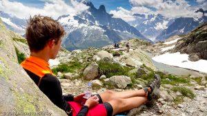 Pause pique-nique au Lac Blanc · Alpes, Aiguilles Rouges, Vallée de Chamonix, FR · GPS 45°58'55.95'' N 6°53'25.59'' E · Altitude 2327m