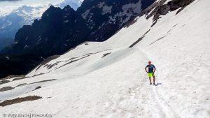 Mont Buet 3096m par le Vallon de Bérard au début de la saison · Alpes, Aiguilles Rouges, FR · GPS 46°0'46.00'' N 6°51'4.37'' E · Altitude 2529m
