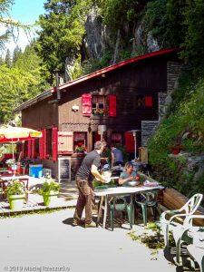 Chalet du Chapeau · Alpes, Massif du Mont-Blanc, Vallée de Chamonix, FR · GPS 45°56'53.90'' N 6°55'2.03'' E · Altitude 1505m