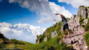 Juste avant le sommet de l'Aiguillette des Posettes, Mont-Blanc à gauche derrière · Alpes, Massif du Mont-Blanc, Vallée de Chamonix, FR · GPS 46°1'6.60'' N 6°56'29.70'' E · Altitude 2098m