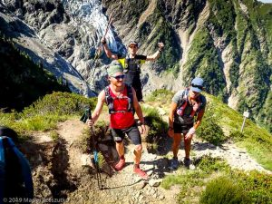 Montée à la mythique Jonction, glacier du Taconnaz derrière · Alpes, Massif du Mont-Blanc, Vallée de Chamonix, FR · GPS 45°52'57.06'' N 6°51'6.34'' E · Altitude 2080m