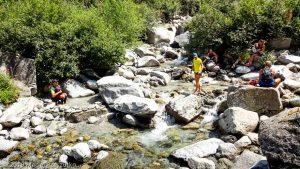 À la recherche de fraicheur après la descente de l'Aiguillette des Posettes · Alpes, Massif du Mont-Blanc, Vallée de Chamonix, FR · GPS 45°59'58.26'' N 6°56'59.43'' E · Altitude 1477m