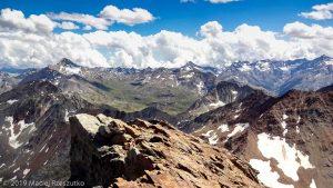 Vue depuis le sommet du Mont Emilius · Alpes, Alpes grées, Val d'Aoste, IT · GPS 45°40'43.84'' N 7°23'5.47'' E · Altitude 3475m