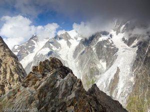 Reconnaissance du parcours la veille de l'ascension · Alpes, Massif du Mont-Blanc, Val Vény, IT · GPS 45°47'30.35'' N 6°49'58.75'' E · Altitude 3424m