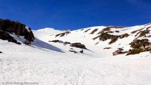 Dans la descenye du Pic d'Envalira · Pyrénées, Pyrénées Orientales, Puymorens, FR · GPS 42°30'49.37'' N 1°44'1.31'' E · Altitude 2469m