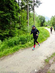 Stage Trail Découverte J1 · Alpes, Massif du Mont-Blanc, Vallée de Chamonix, FR · GPS 45°55'47.44'' N 6°52'40.61'' E · Altitude 1047m