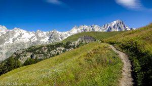 CCC en off · Alpes, Massif du Mont-Blanc, CCC, IT · GPS 45°47'48.07'' N 6°59'28.28'' E · Altitude 1777m