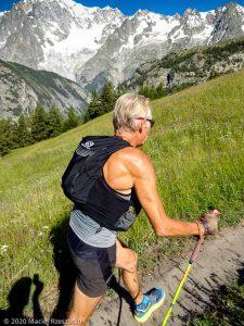 CCC en off · Alpes, Massif du Mont-Blanc, CCC, IT · GPS 45°47'48.87'' N 6°59'28.69'' E · Altitude 1781m