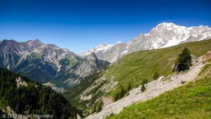 CCC en off · Alpes, Massif du Mont-Blanc, CCC, IT · GPS 45°48'53.34'' N 7°1'2.43'' E · Altitude 2061m