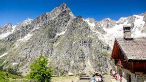 CCC en off · Alpes, Massif du Mont-Blanc, CCC, IT · GPS 45°50'48.40'' N 7°2'0.72'' E · Altitude 1988m