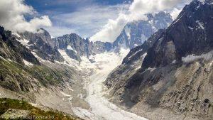 Dans la montée au Refuge du Couvercle · Alpes, Massif du Mont-Blanc, FR · GPS 45°54'15.21'' N 6°57'35.55'' E · Altitude 2396m