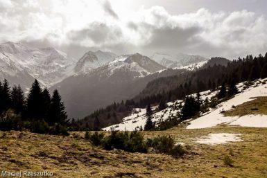 Col de Joux · Pyrénées, Pyrénées ariégeoises, Vallée de Mérens, FR · GPS 42°40'35.30'' N 1°51'26.45'' E · Altitude 1575m